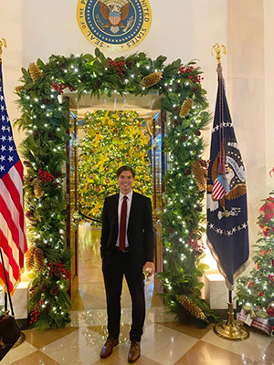 White House Christmas Pictures 2021 Local Has A Hand In The White House Christmas Decorations Shore Local Newsmagazine